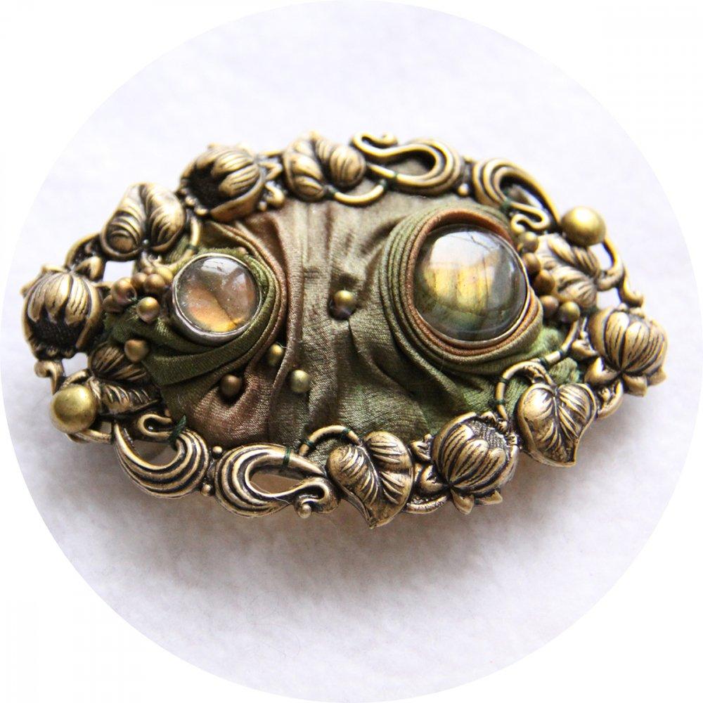 Barrette ovale en ruban de soie shibori ocre et kaki brodée et cadre bronze 5cm--9996131159667