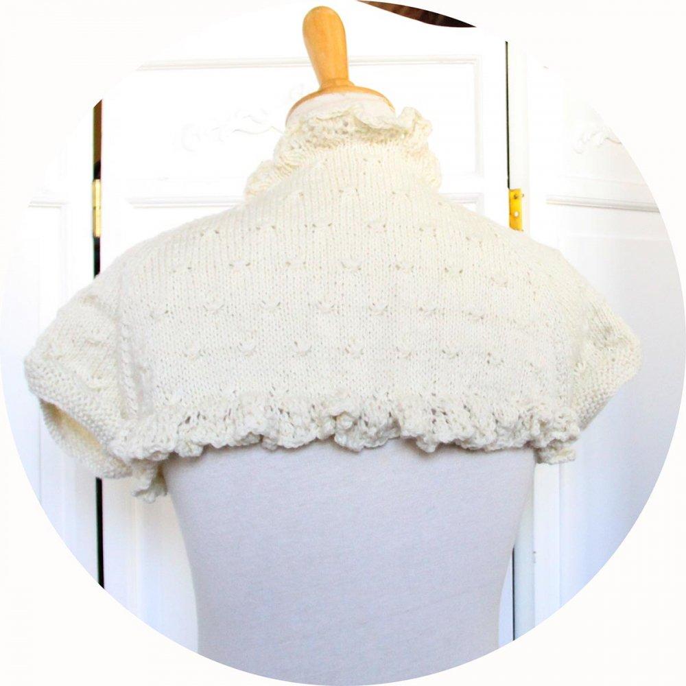 Boléro court à manches courtes et brod volanté en laine écrue--9995733325821