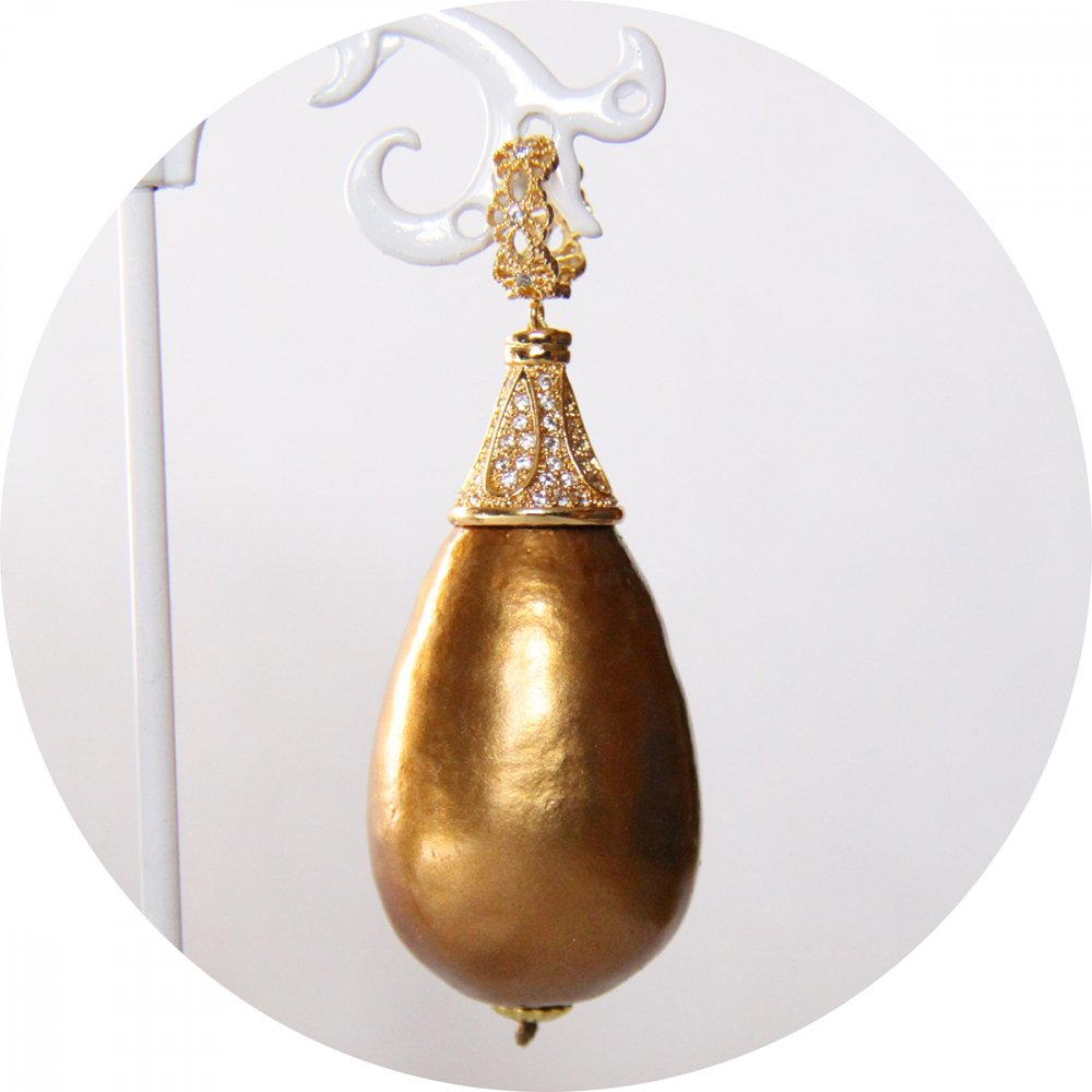 Boucles d'oreilles baroques grande goutte perle bronze et attaches dormeuses dorées strassées--9996143354081