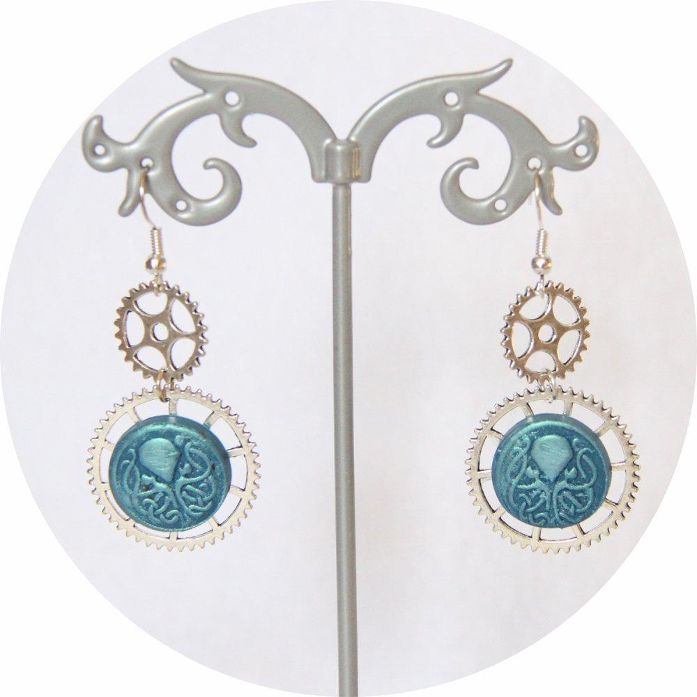 Boucles d'oreilles pendantes Steampunk thème mini Cthulhu bleu et engrenage argent--9995868077046