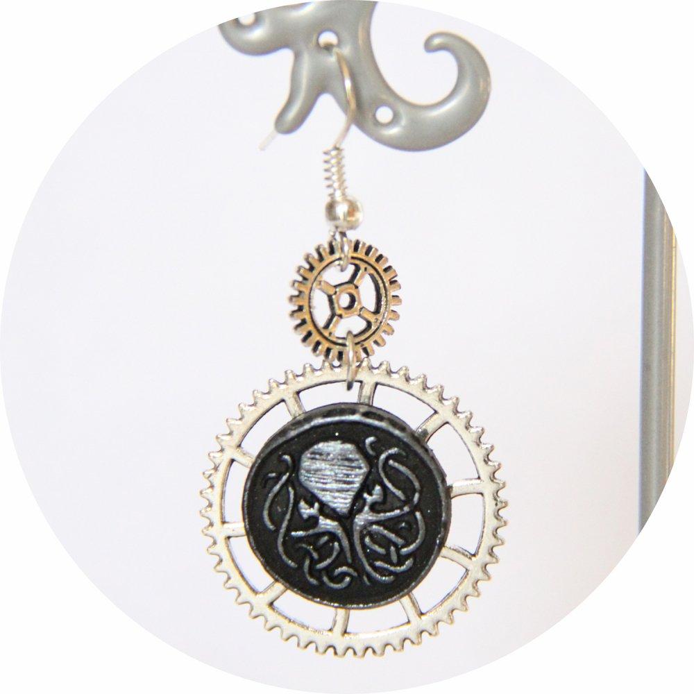 Boucles d'oreilles pendantes Steampunk thème mini Cthulhu noir et engrenage argent--9995868087427