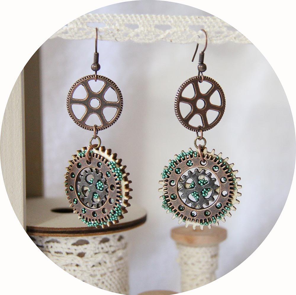 Boucles d'oreilles Steampunk bois, microbilles vertes et métal cuivre--9995540624568