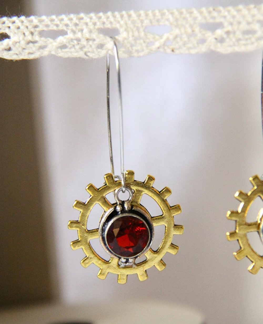 Boucles d'oreilles Steampunk rouage doré et cristal rouge--9995540559389