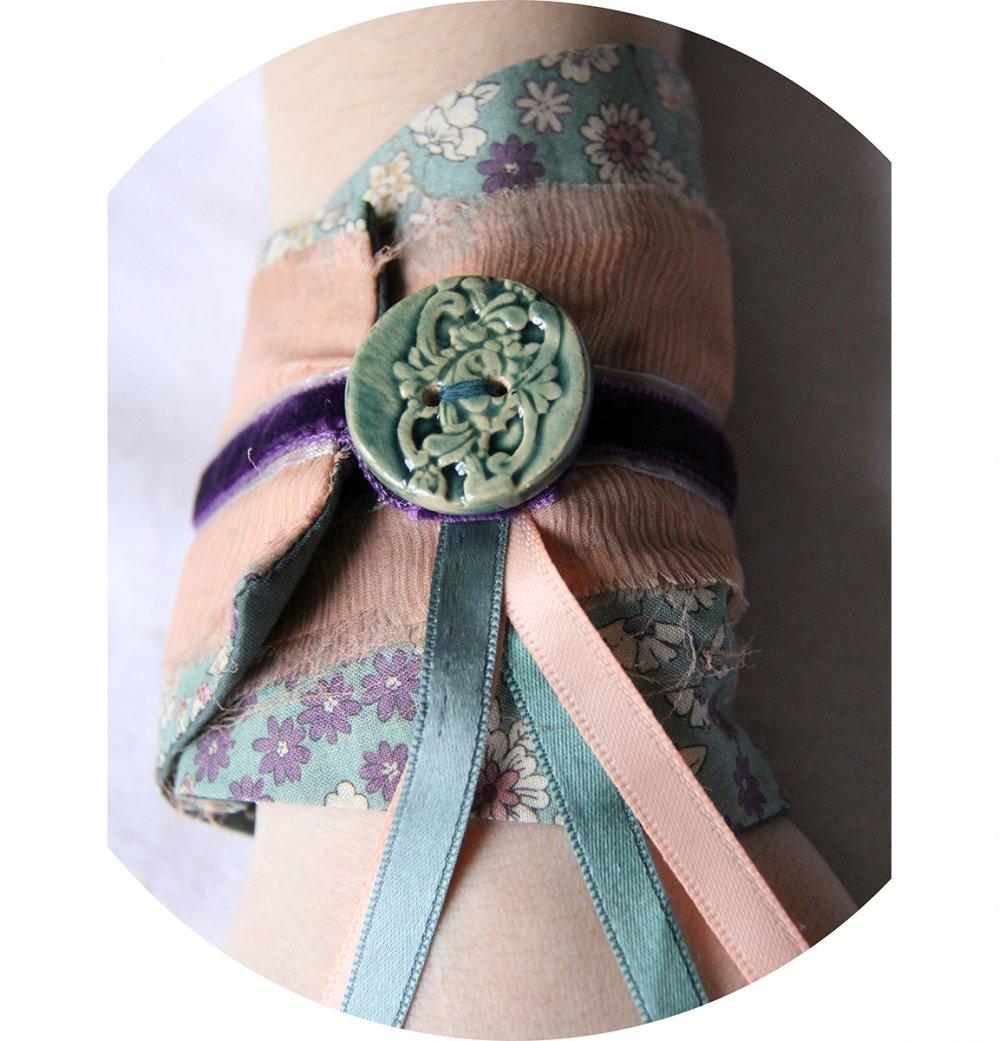 Bracelet manchette en tissu bleu canard à fleurs et rubans de velours mauve--9996044794139