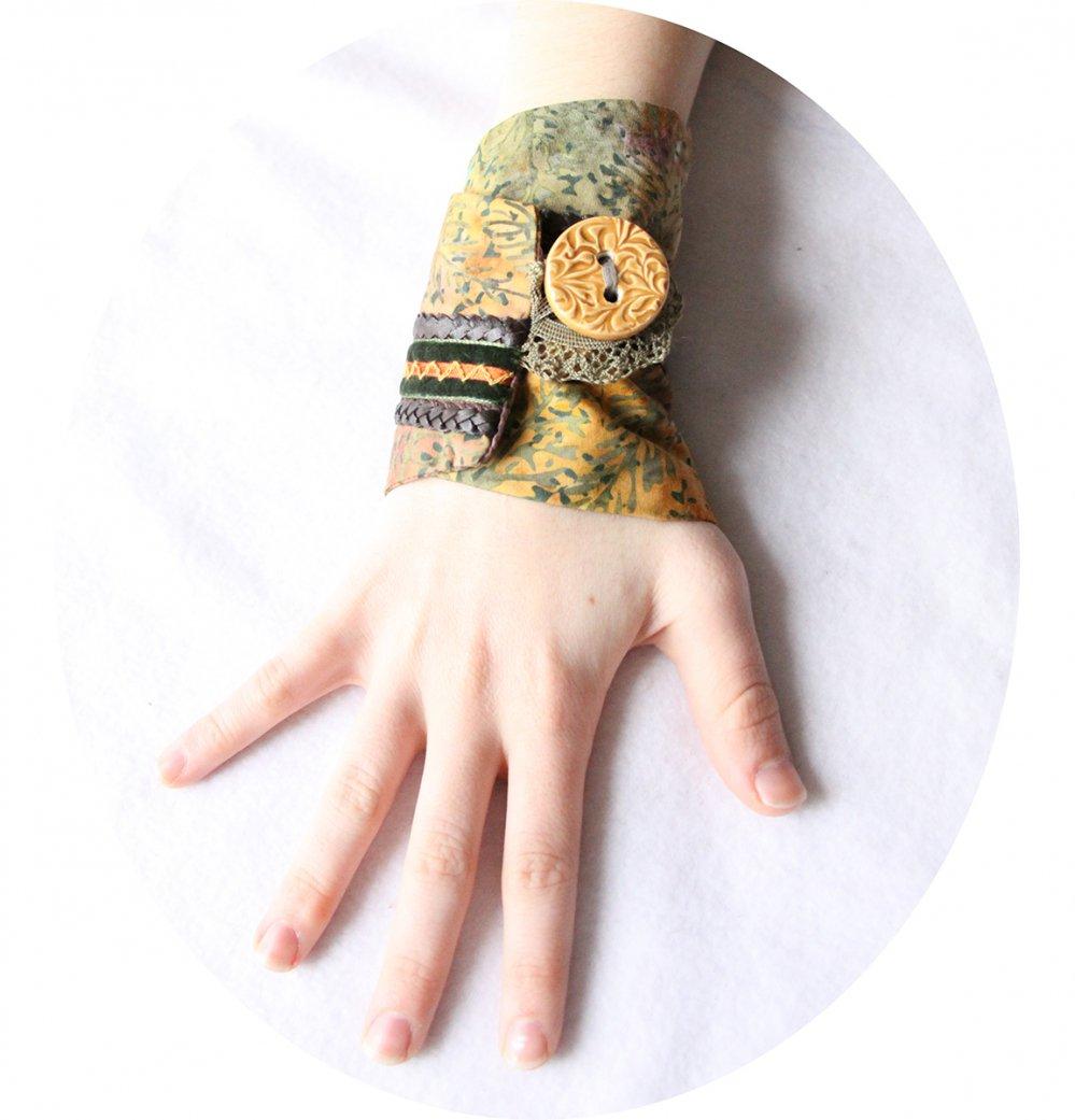 Bracelet manchette en tissu batik aux couleurs d'automne--9996044825901