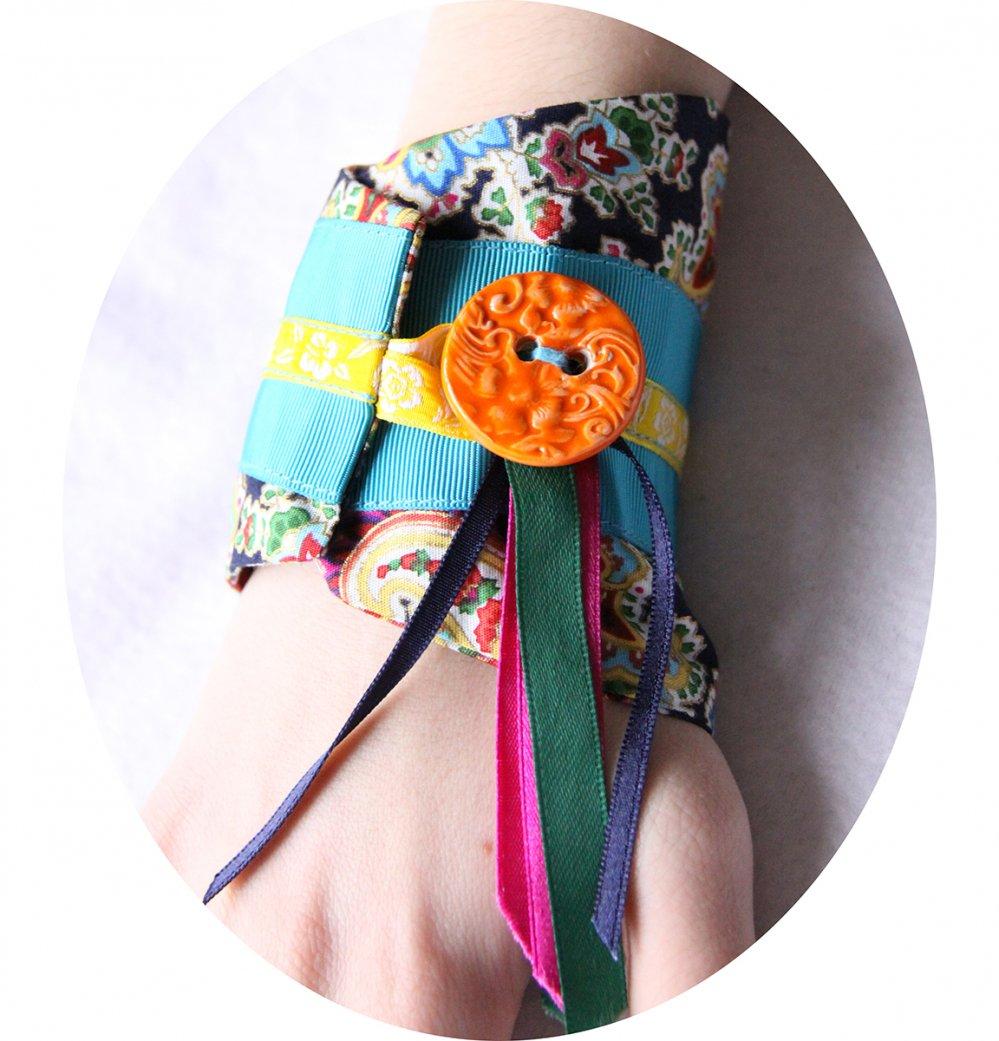 Bracelet manchette en tissu bleu marine à motifs colorés et rubans de satin--9996044816336