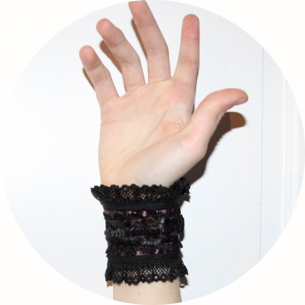 Bracelet manchette victorien en dentelle noire et satin mauve--9996063008002