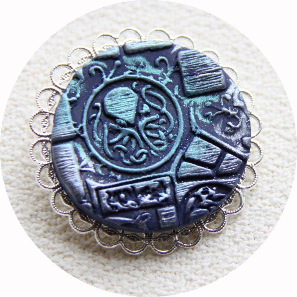 Broche médaillon rond Steampunk thème Cthulhu bleu et argent--9995863782693