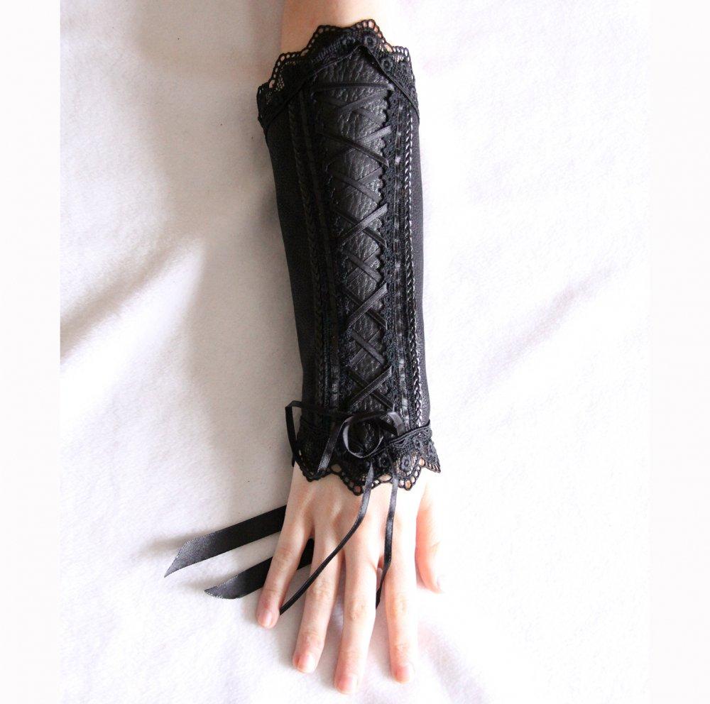 Canon de bras noir steampunk gothique victorien en cuir noir et dentelle--9995924774018