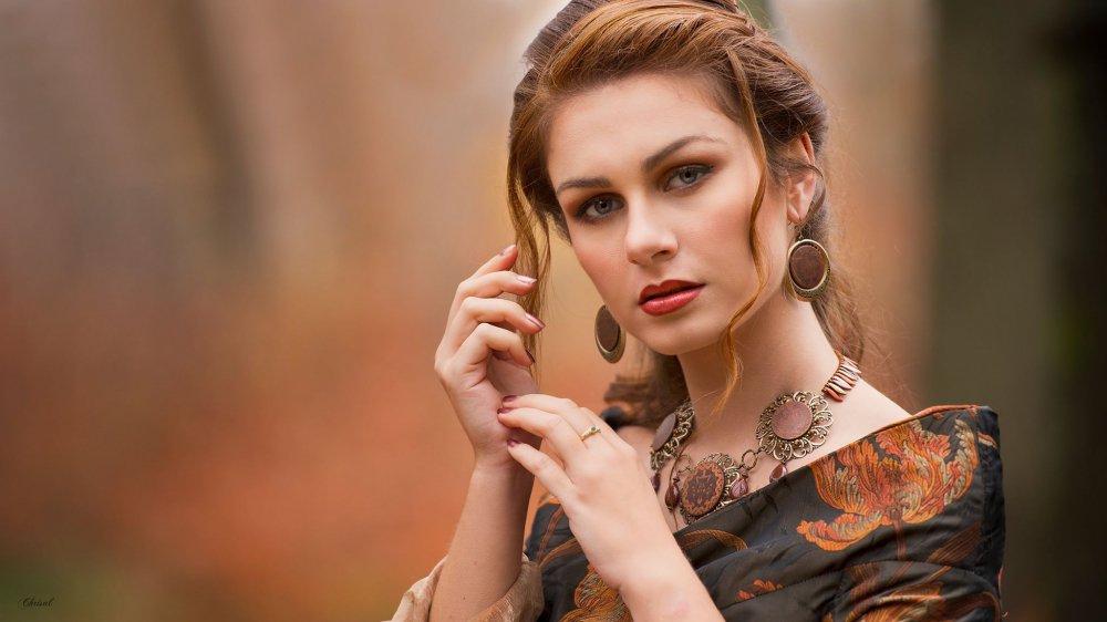 Collier et boucles d'oreilles esprit médiéval fantasy médaillons cuivre et bronze sur rang de perles dagues--9995541996060