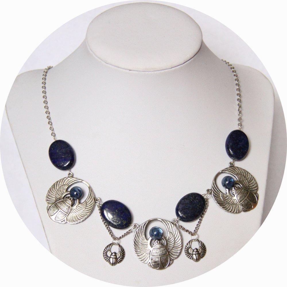 Collier Scarabée composé d'estampes en laiton plaqué argent et de lapis lazuli--9995968744411