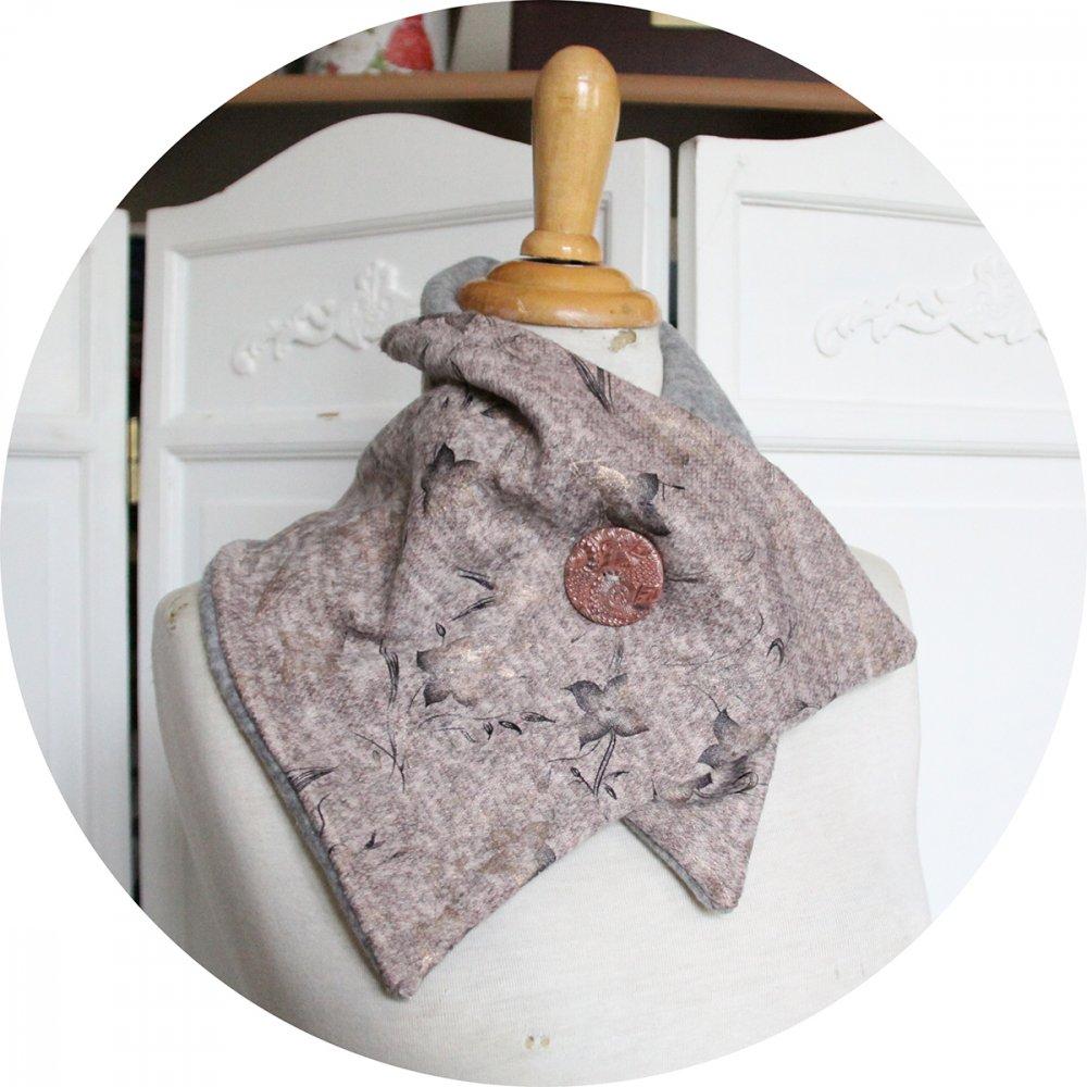 Col tour de cou en molleton rose clair imprimé de petites fleurs et intérieur en polaire grise--9996045667289