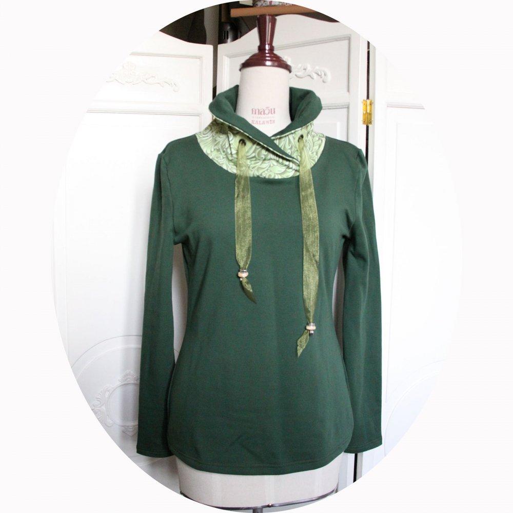 Haut sweatshirt col montant en molleton vert uni et col en coton vert pomme à arabesques--9995760135486