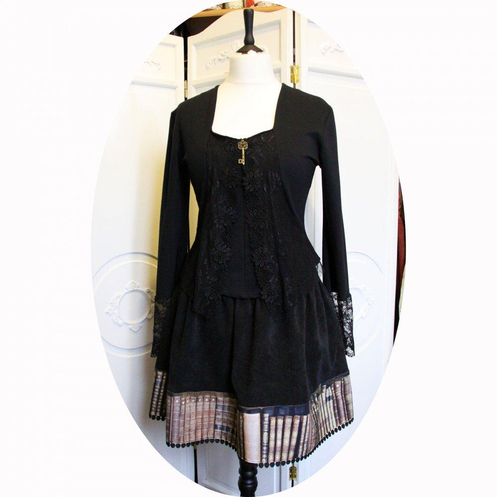Jupe courte trapeze et évasée en velours noir et galon livres anciens--9995759872736