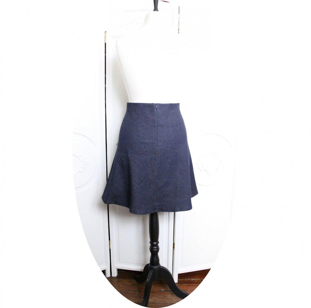 Jupe courte trapeze en jean stretch bleu et motif mandala or et argent--9996014498401