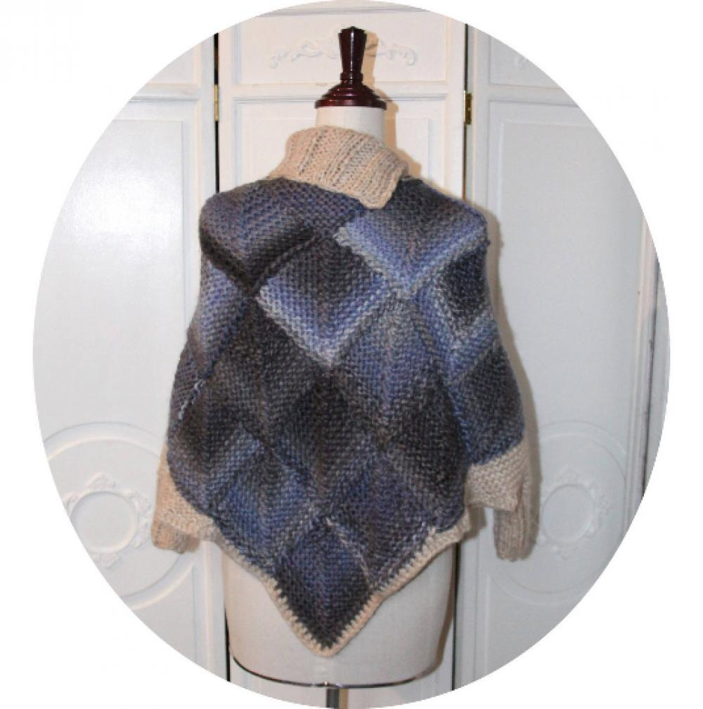 Poncho chauffe-epaule en laine bleu chiné gris motif écaille et col montant ivoire--9995983603465