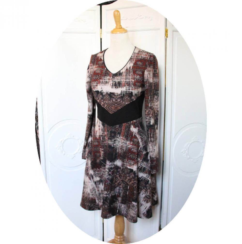 Robe courte et évasée à manches longues en maille jersey coton bordeau et noir et ceinture noire--9995553219676