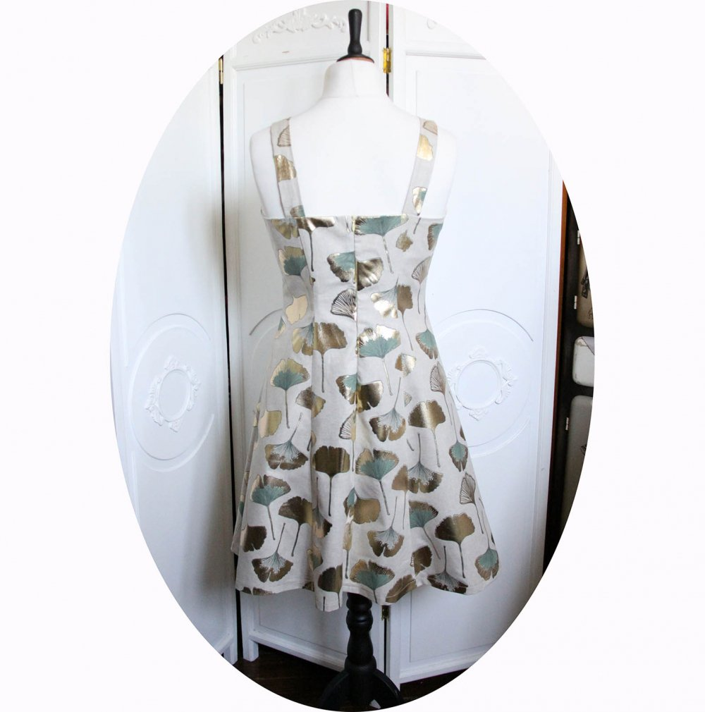 Robe d'été courte cintrée et évasée à bretelles en coton beige feuilles de Ginko vert sauge et or--9995905750222