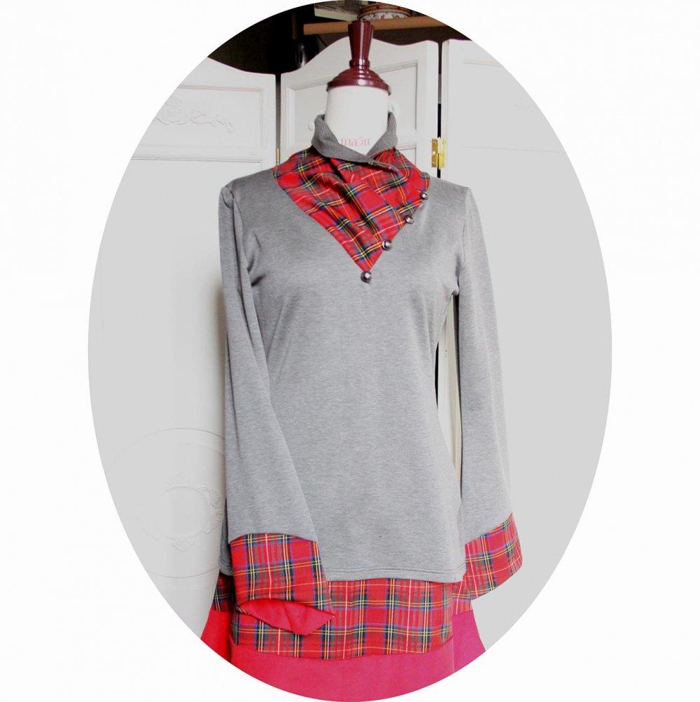 Tunique à col écharpe et manches longues en maille de laine grise et col en écossais tartan rouge--9995731653353