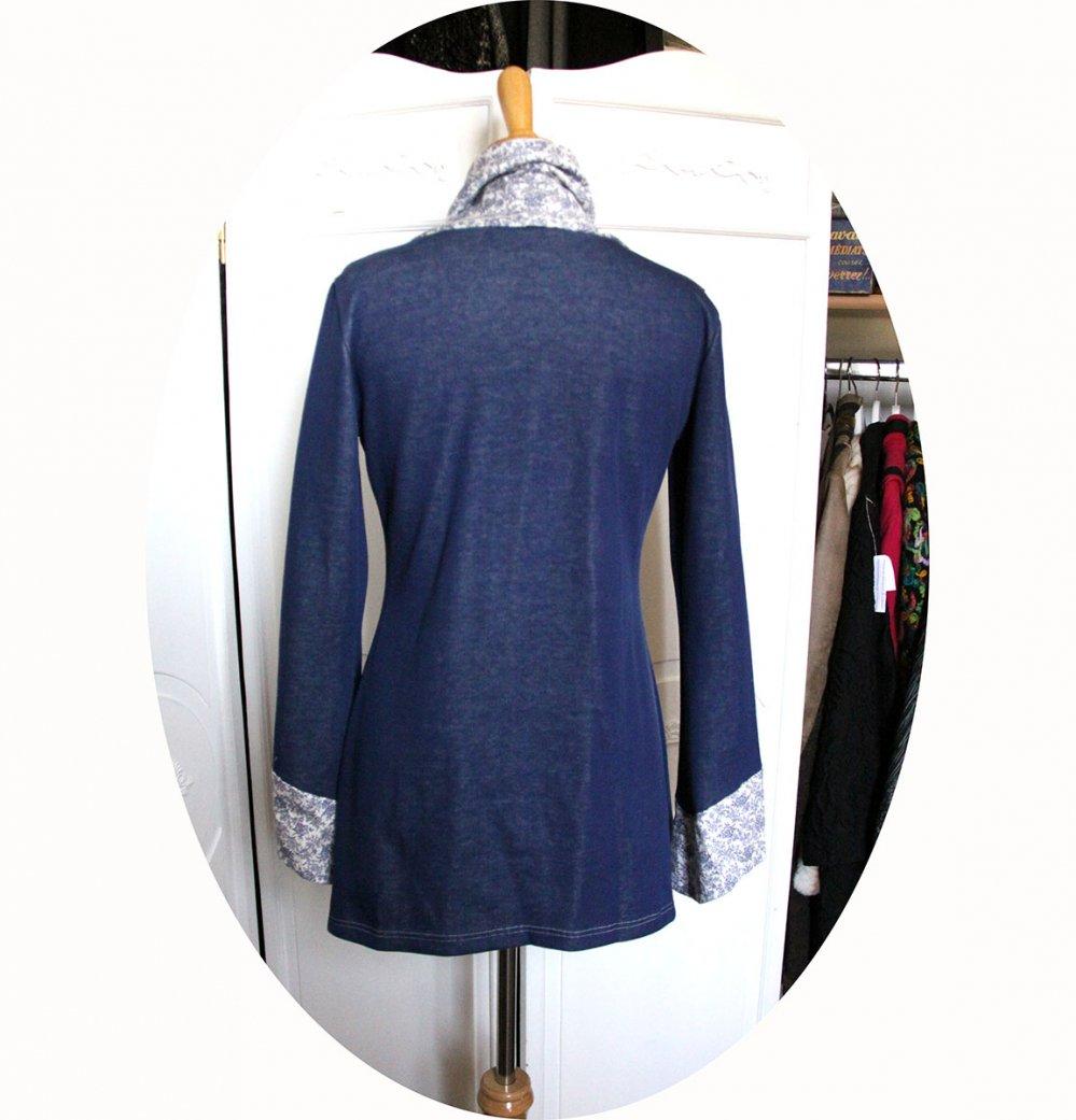 Tunique longue à col écharpe et manches longues en maille de coton bleu et coton imprimé fleuri--9995699140537