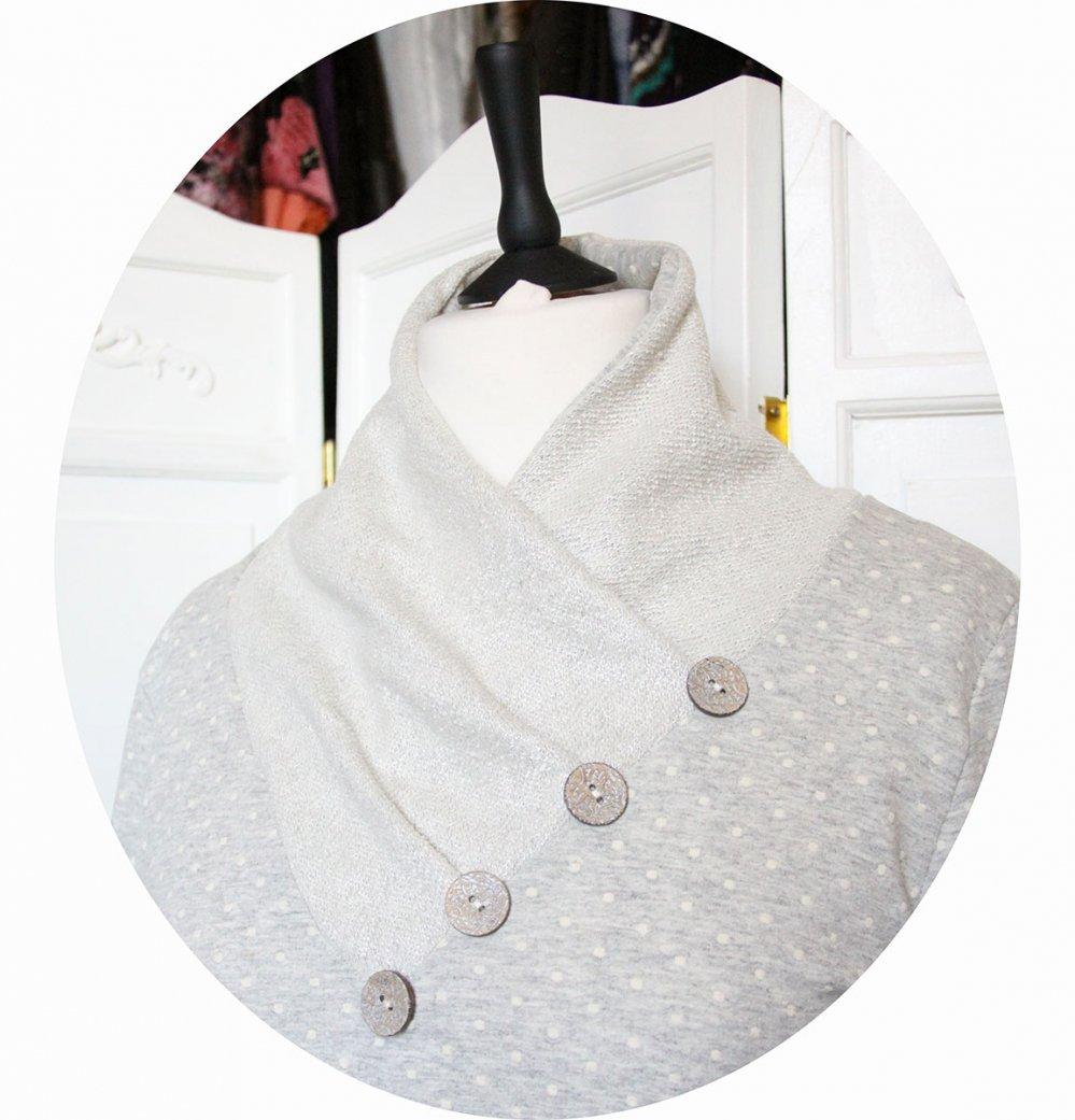 Tunique longue à col écharpe et manches longues en maille de coton gris à pois ivoire et ivoire irisé--9995699136066