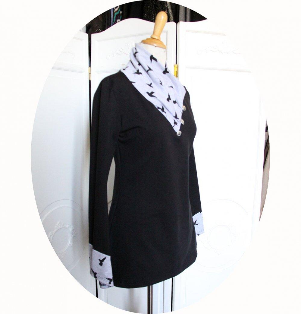 Tunique longue à col écharpe et manches longues en maille de coton noire et imprimé oiseaux noirs--9995699128672