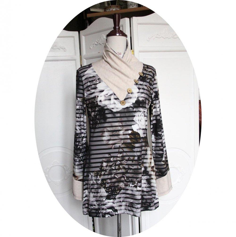 Tunique longue à col écharpe et manches longues en maille de coton à rayures gris noir et beige chiné--9995732508409