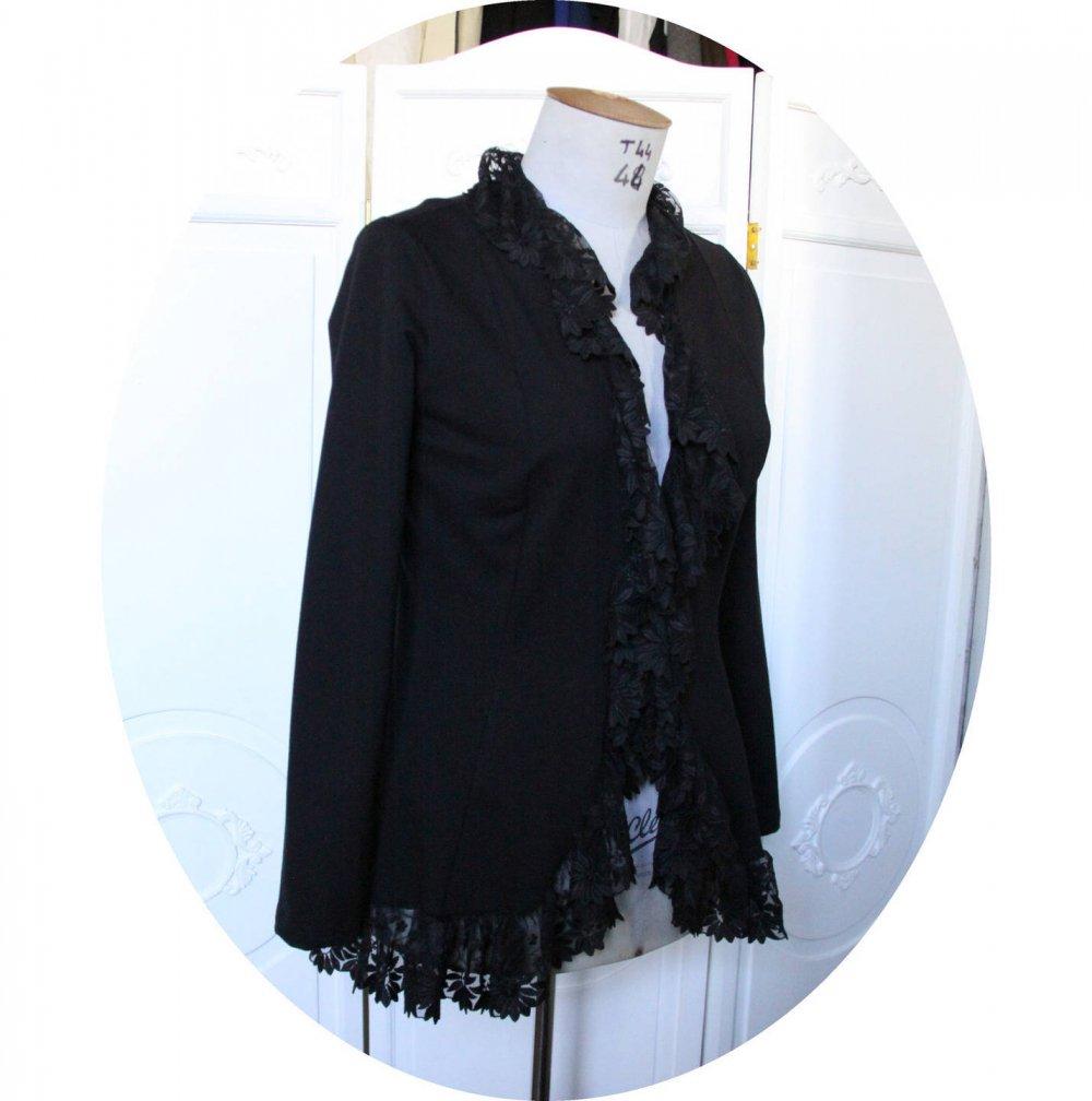 Veste gilet en maille noire en dentelle,gilet en jersey noir et broderie sur tulle, veste longue romantique taille L,gilet gothique noir--9995496165474