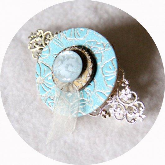 Barrette boutons bleu et argent longueur 8cm