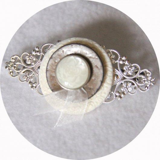 Barrette boutons ivoire beige et argent longueur 8cm