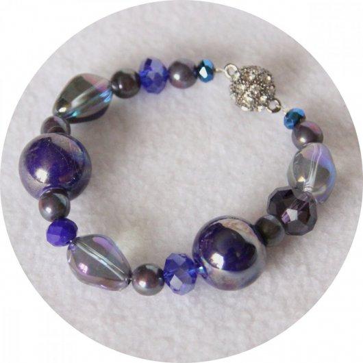 Bracelet bleu marine en perles de céramique et cristal