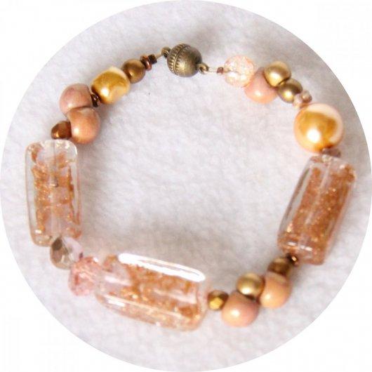 Bracelet rose cuivre en perles de verre et nacre Swarovski