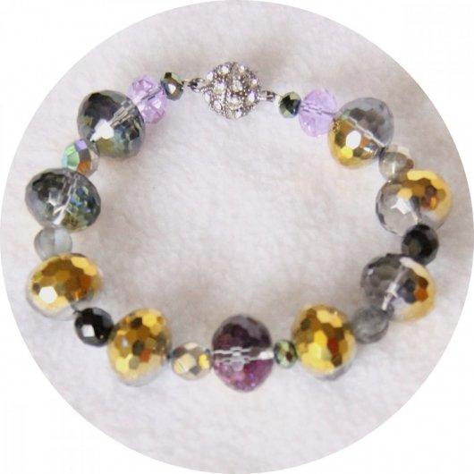 Bracelet gris argent doré et violet en perles