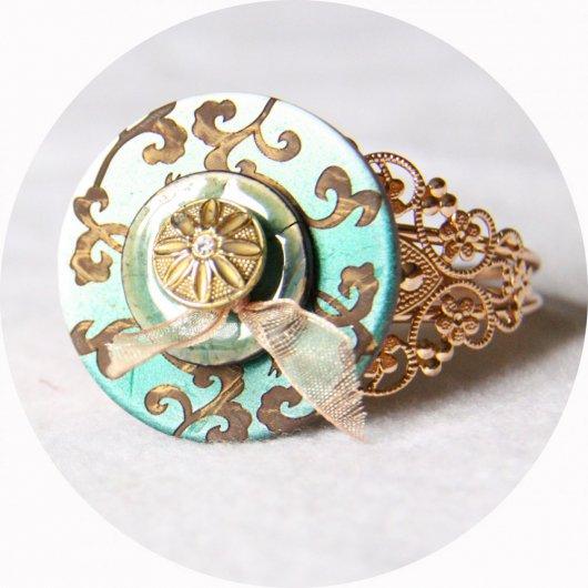 Bracelet rigide boutons baroque vert et doré