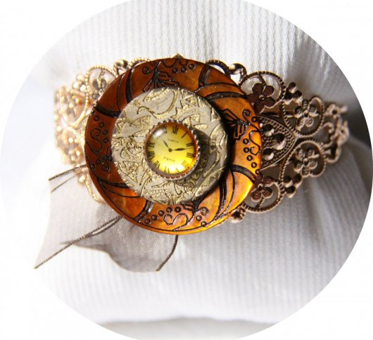 Bracelet rigide boutons Steampunk doré