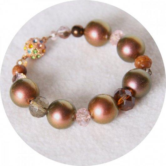 Bracelet rose cuivre en perles de nacre et cristal