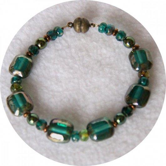 Bracelet vert en perles de Bohême