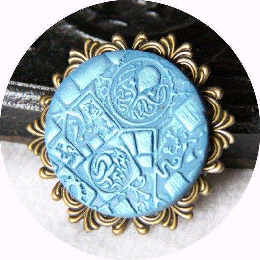 Broche médaillon rond Steampunk thème Cthulhu bleu et bronze