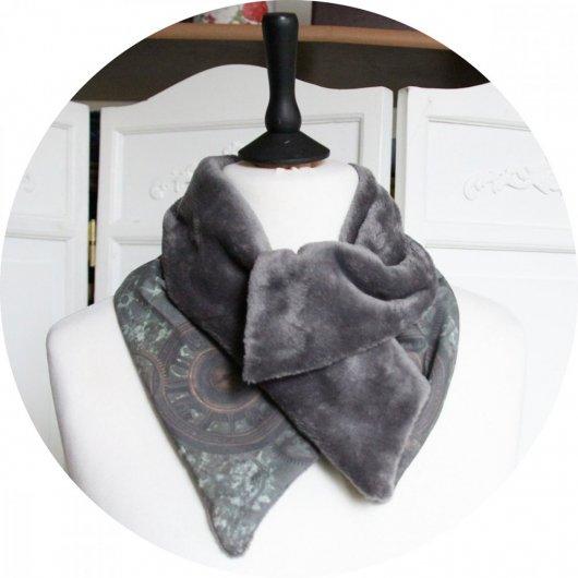 Col tour de cou gris et kaki en coton imprimé horloge et doublure polaire grise