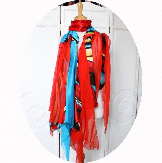 Etole en patchwork de soie satin et mousseline en bleu turquoise rouge bordeaux