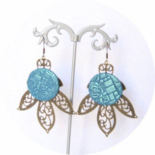 Grandes boucles d'oreilles légères feuille et cabochon fantasy turquoise