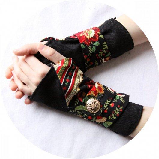 Manchettes mitaines noir et rouge en coton doux noir uni et imprimé folk rouge et noir