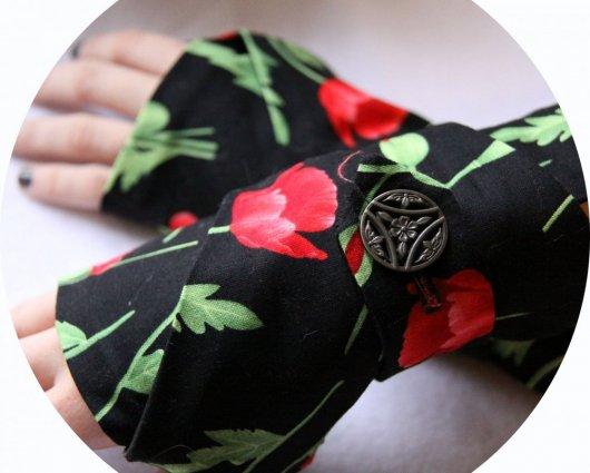 Manchettes mitaines rouge et noir en coton doux noir uni et imprimé coquelicot rouge
