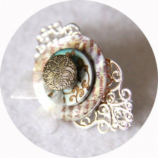 Petite barrette boutons nacre vert et argent longueur 5cm