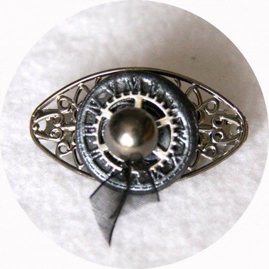 Petite barrette boutons noir argent et gunmetal steampunk longueur 5cm