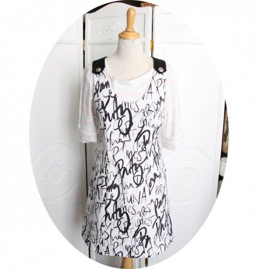 Robe chasuble à poches en coton blanc imprimé texte noir