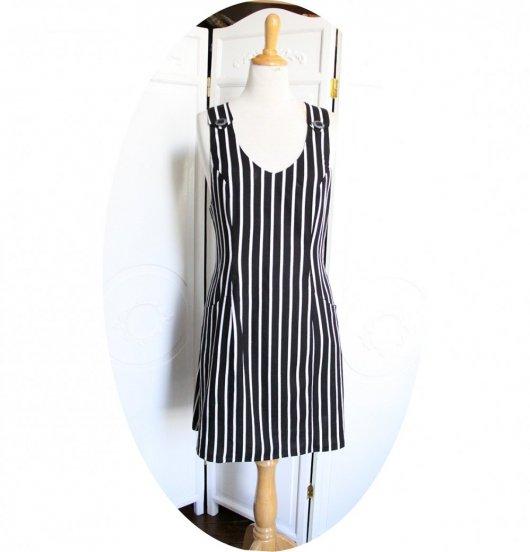 Robe chasuble à poches en lin et viscose noir à rayures blanches
