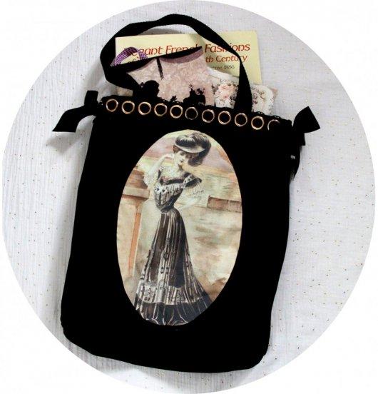 Sac cabas noir Gravure de Mode robe noire et blanche et guipure noire