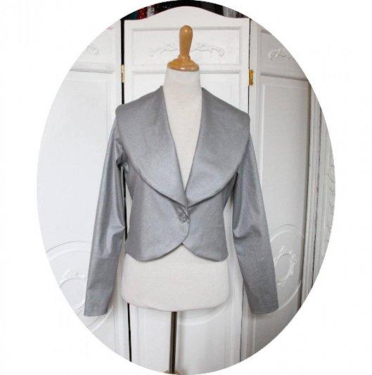 Veste courte à manches longues en coton stretch gris argent à grand col chale