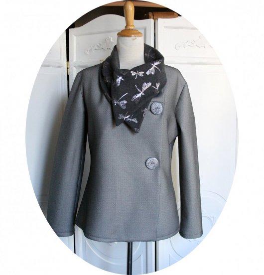 Veste croisée souple à grand col en maille chiné gris clair et jersey libellule